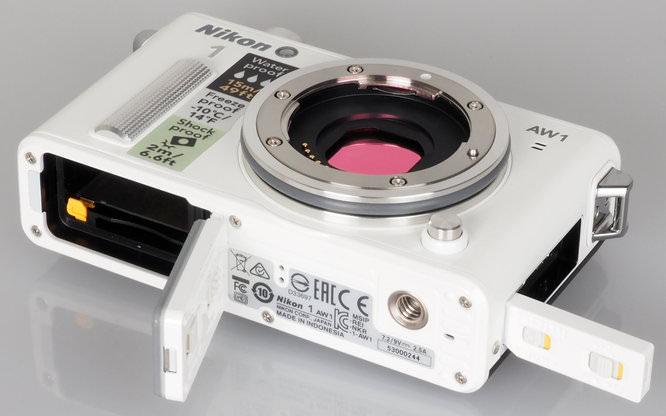 Nikon 1 AW1 White (12)