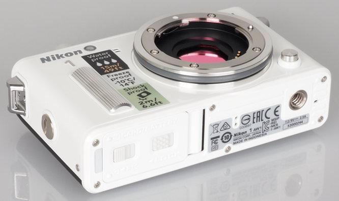 Nikon 1 AW1 White (14)