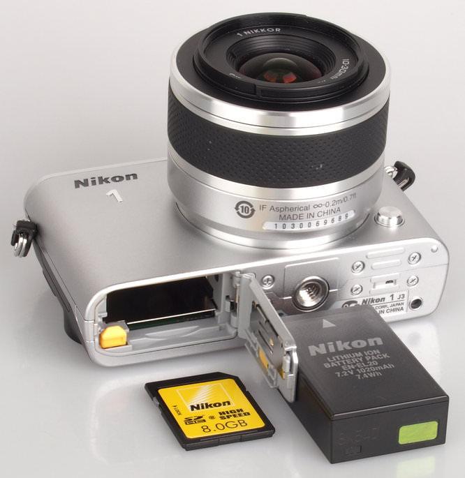 Nikon 1 J3 Silver (1)