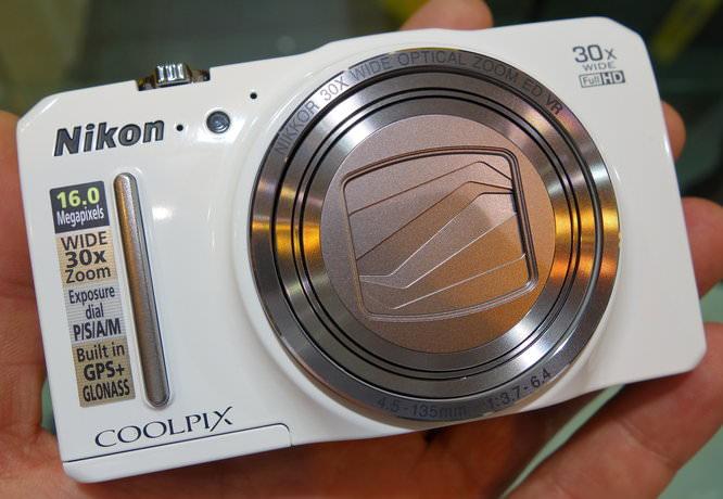 Nikon Coolpix S9700 (4)