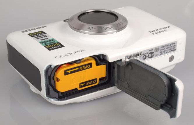 Nikon Coolpix S30 Open