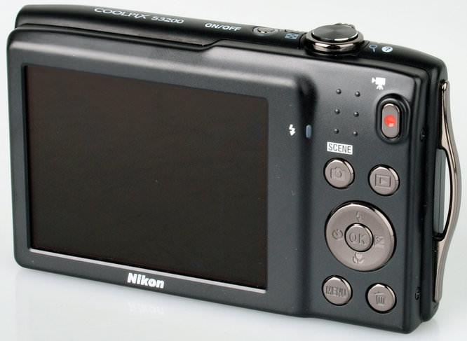 Nikon Coolpix S3200 8