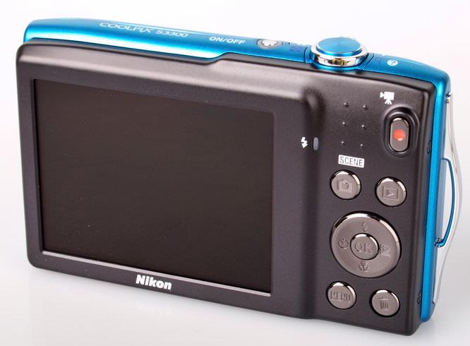 Nikon Coolpix S3300 Rear