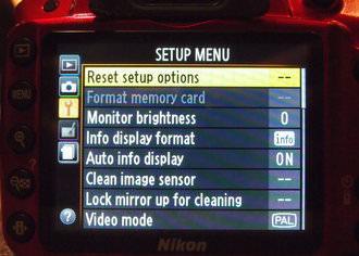 Nikon D3200 Red (1)