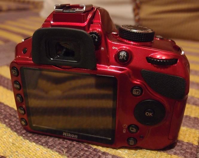 Nikon D3200 Red (4)