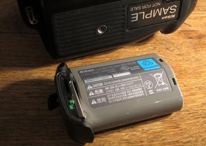 Nikon D4 Battery