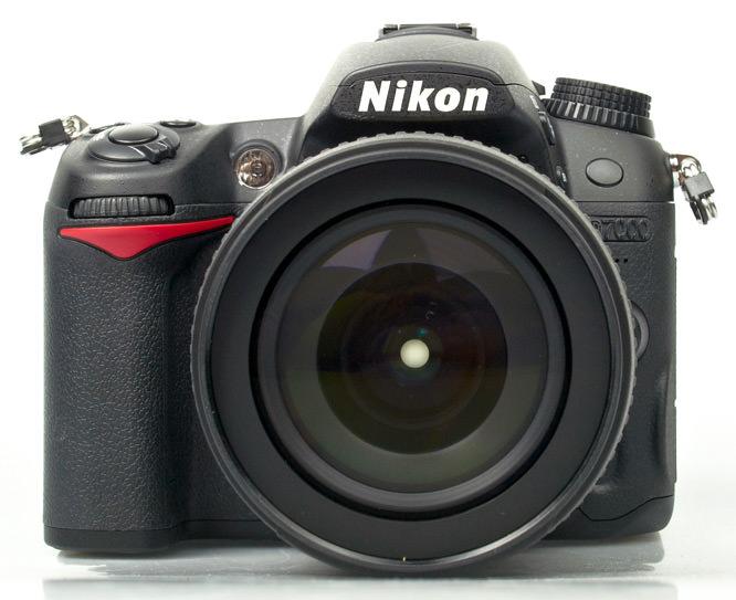 Nikon D7000 front