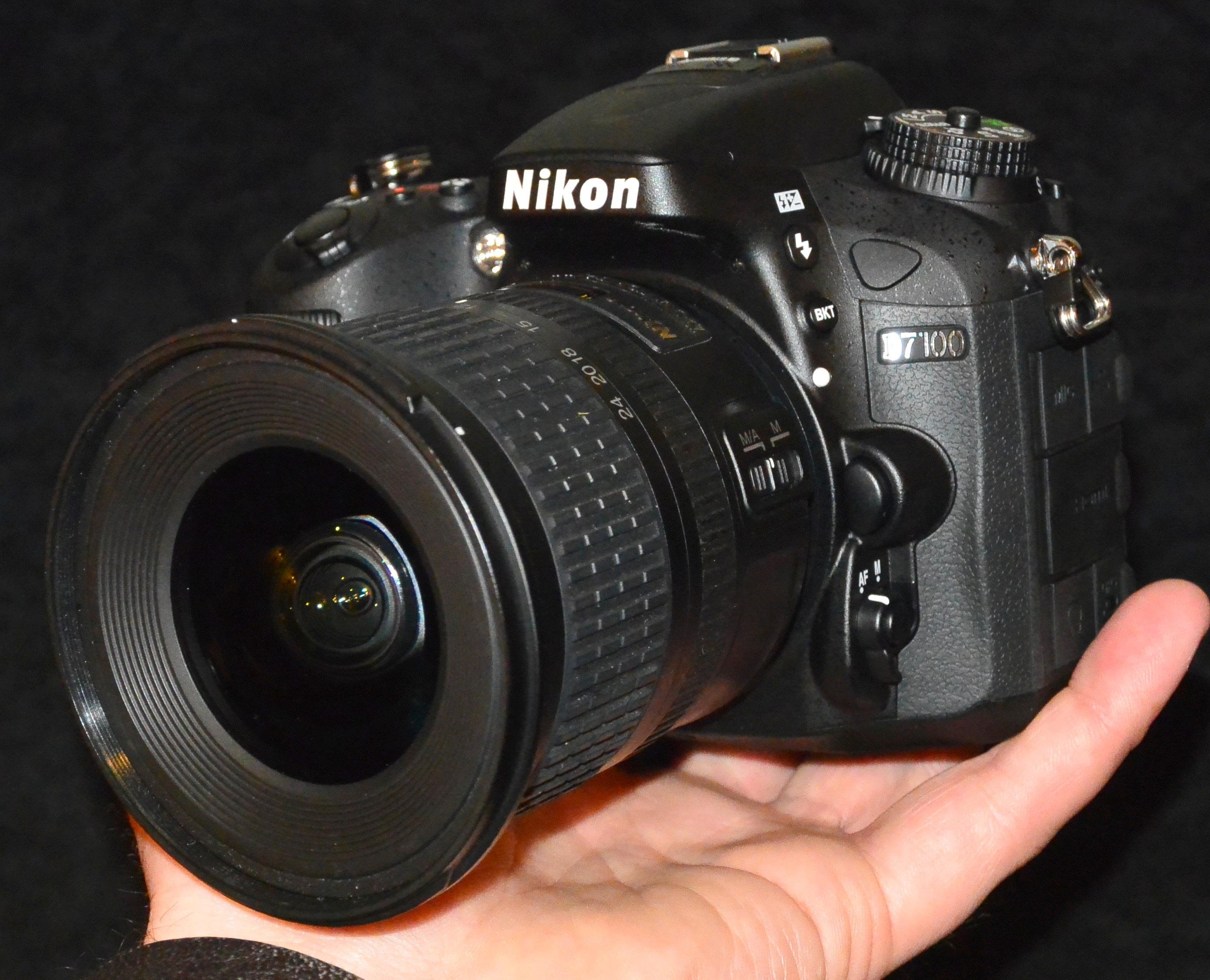 Nikon D7100 DSLR Camera 64Bit
