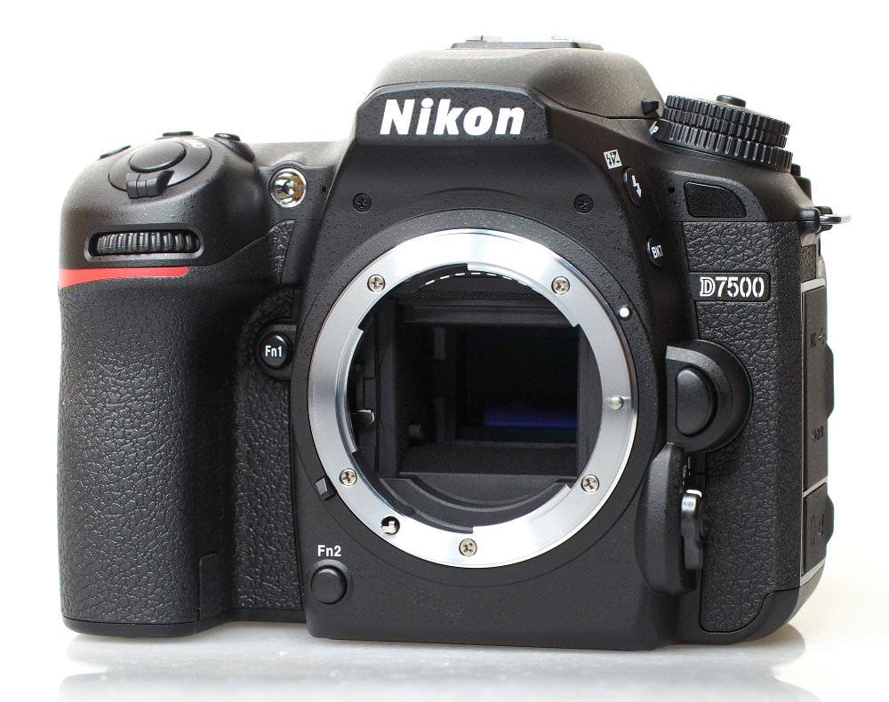 Nikon D7500 DSLR (1)