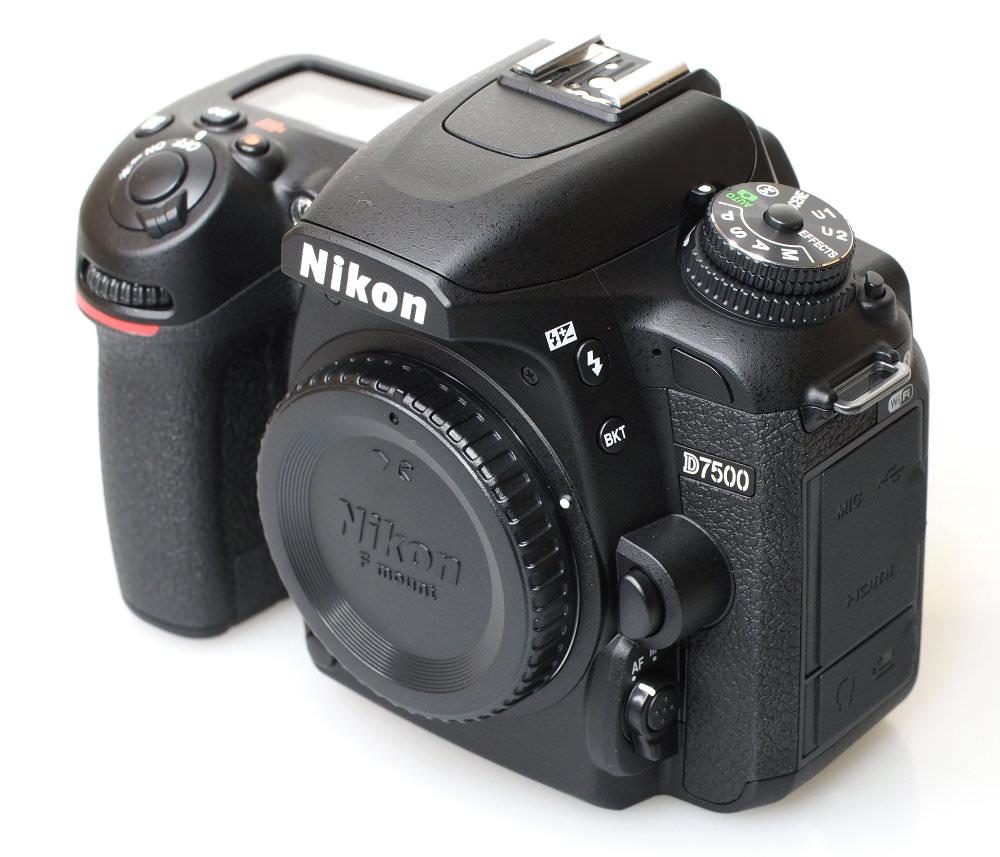 Nikon D7500 DSLR (3)