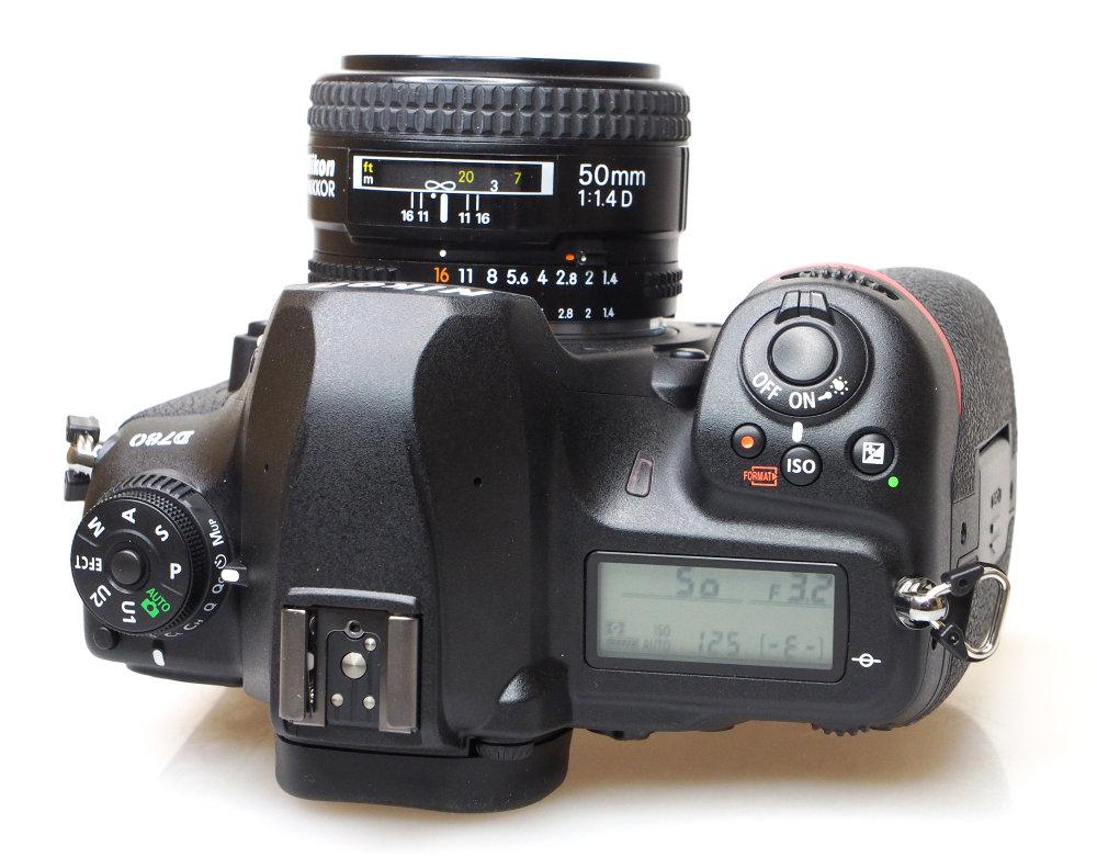 Nikon D780 (3)