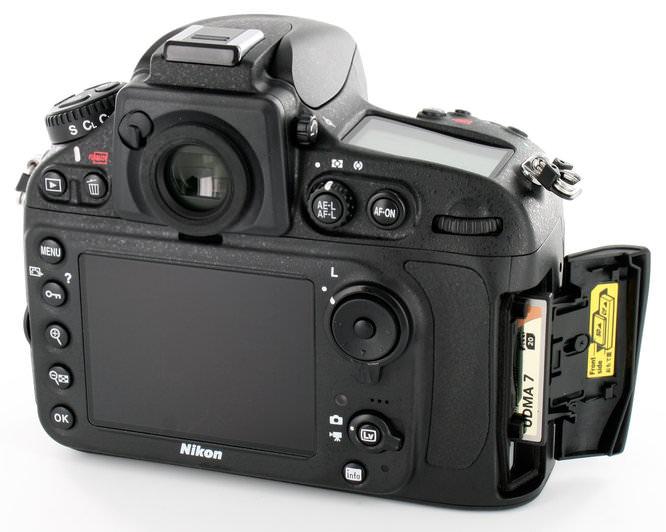 Nikon D800 Rear Card