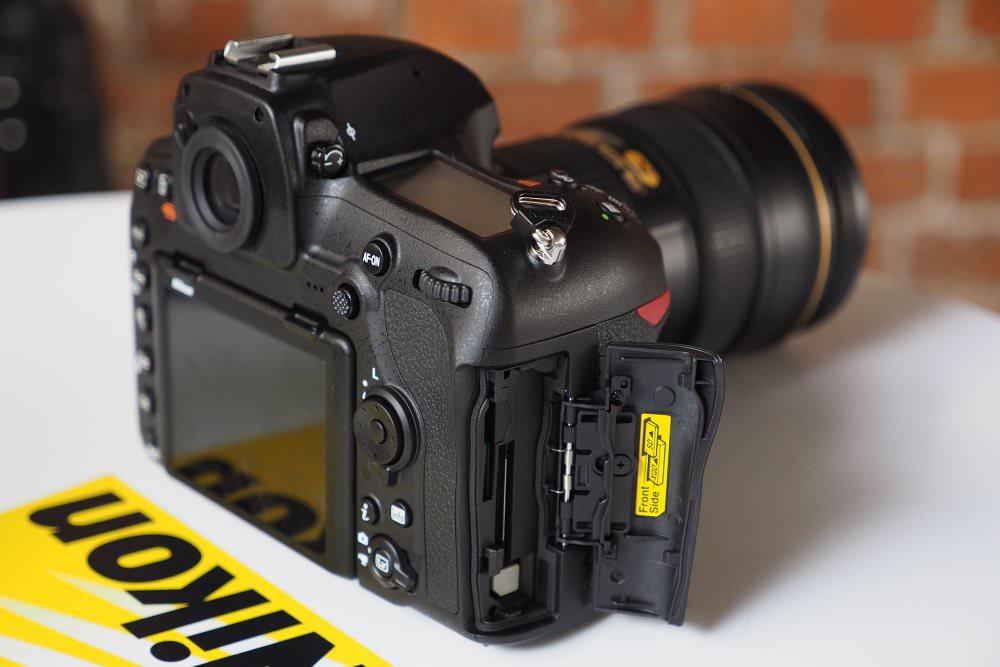 Nikon D850 Memory Card Slots