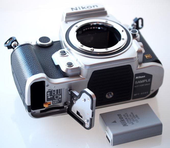 Nikon Df DSLR Silver (14) (Custom)