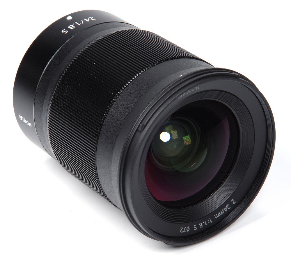 Nikkor Z 24mm F1,8S Front Oblique View