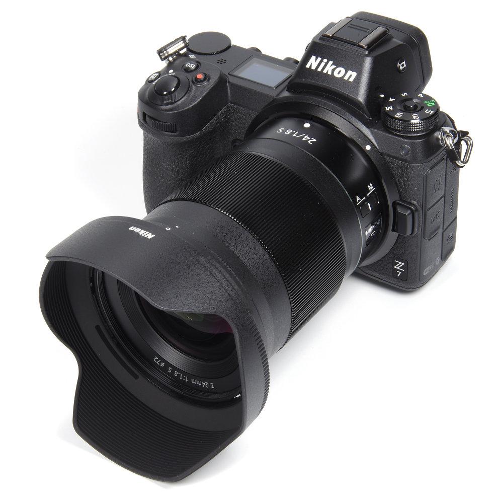 Nikkor Z 24mm F1,8S On Nikon Z7 With Hood