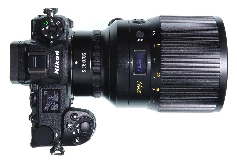 Nikkor Z 58mm F0,95S On Nikon Z7 Top View