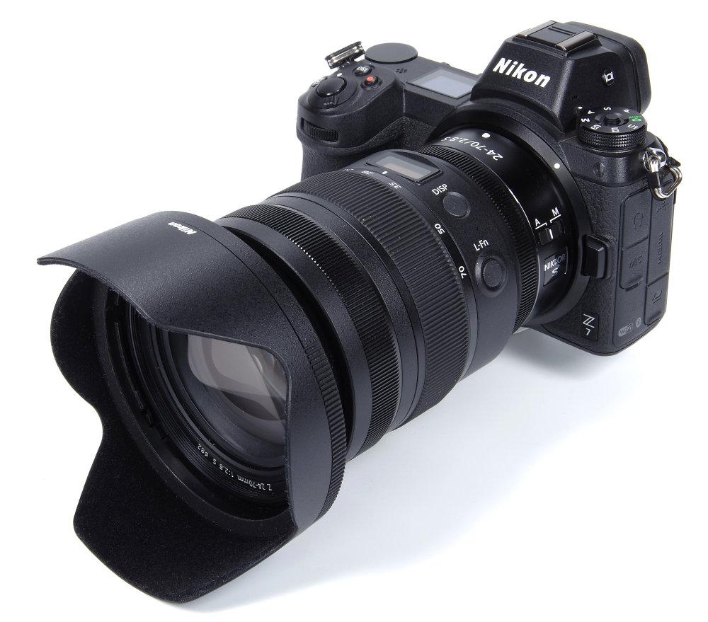 Nikon Z 24 70mm F2,8 On Z7 With Hood