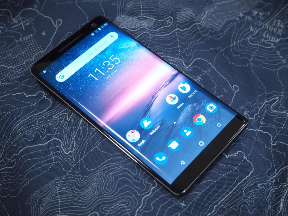 Nokia 8 Sirocco Black Lifestyle (4)