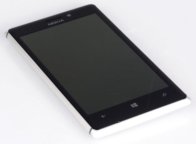 Nokia Lumia Pureview 925 (1)