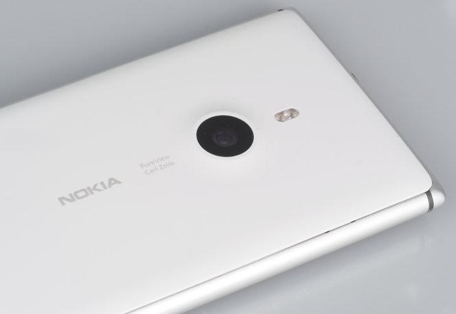 Nokia Lumia Pureview 925 (8)