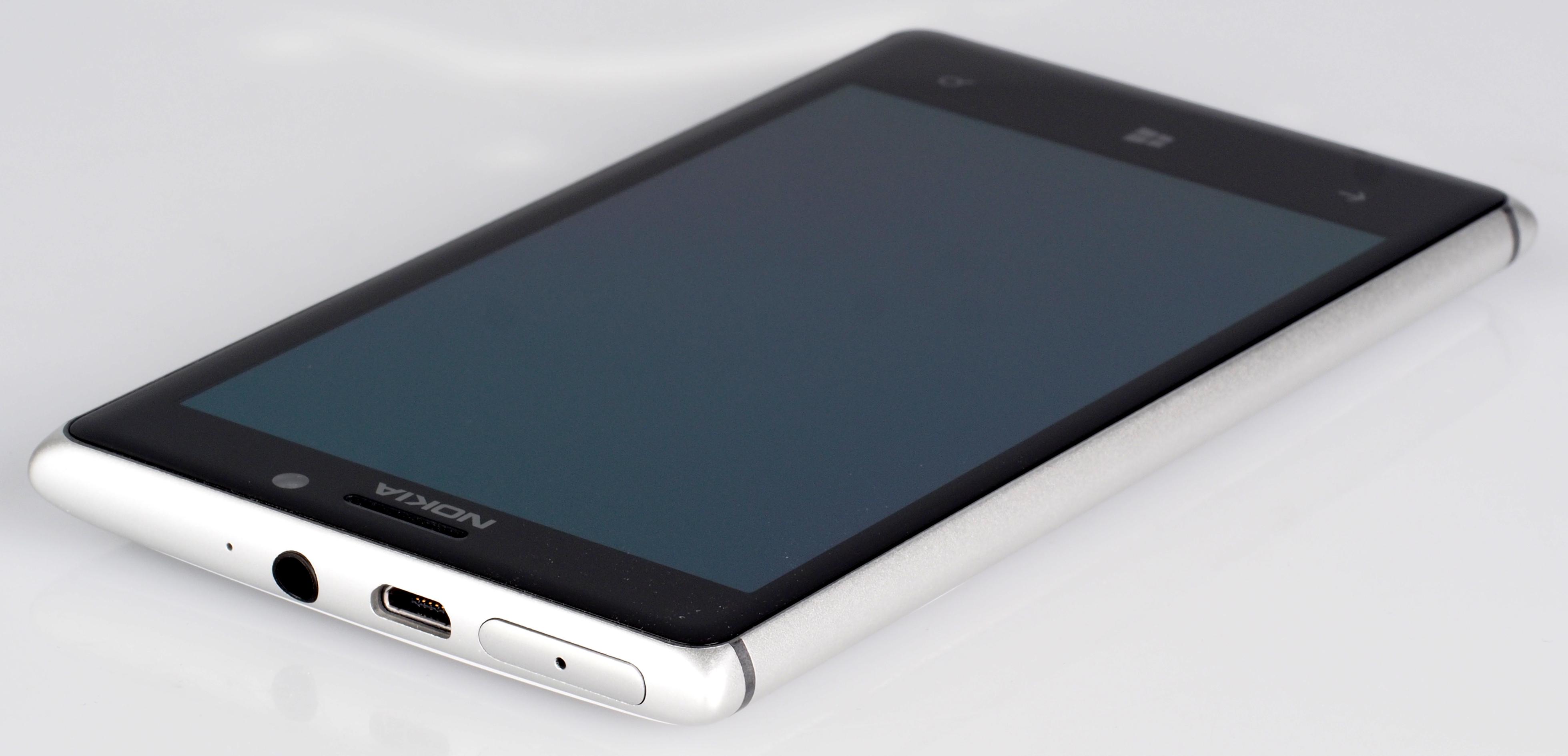 Nokia Lumia Pureview 925 (3)