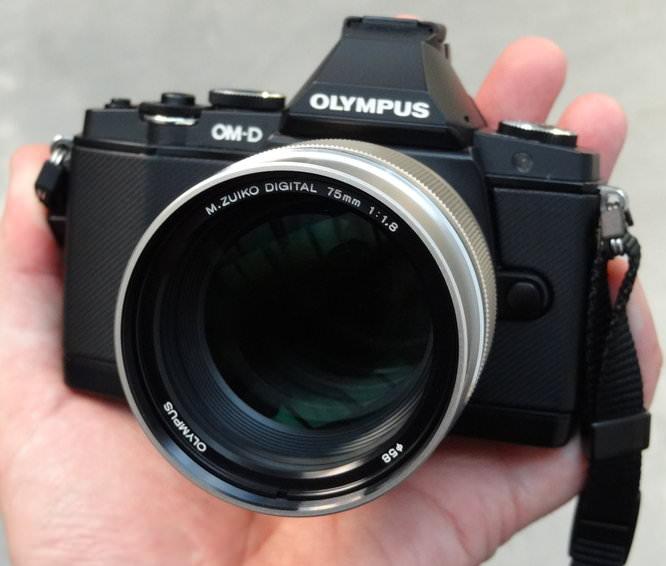 Olympus M.ZUIKO DIGITAL ED 75mm 1:1.8 on OM-D