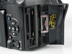 Olympus E-5 memory card slot