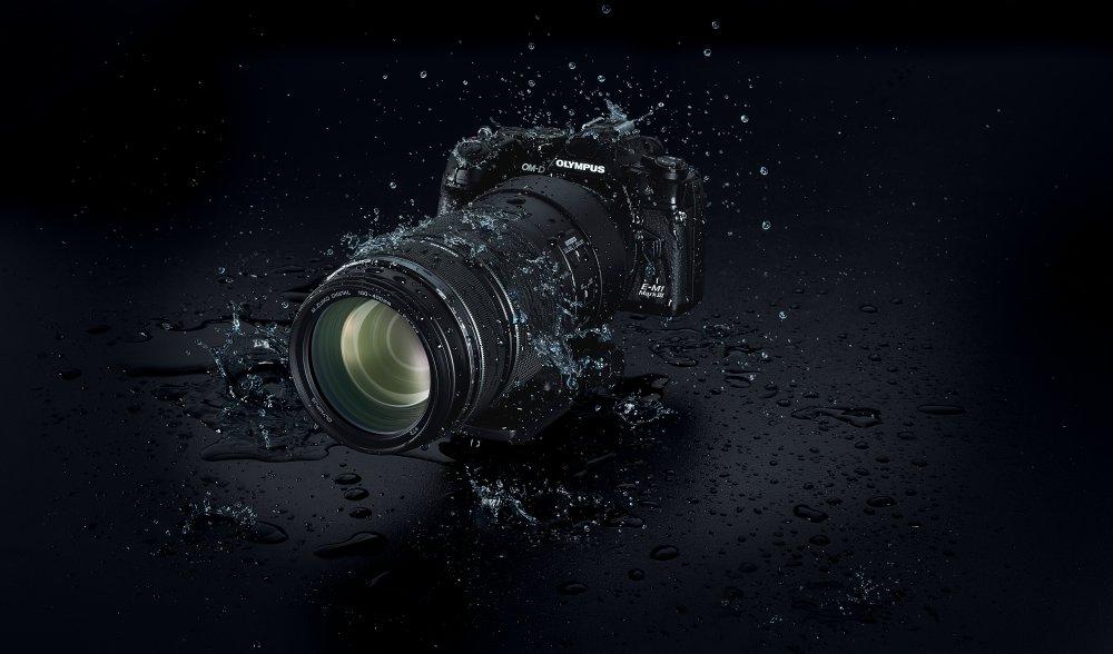 Olympus100 400mm EZ M1040 OM D E M1 Mark III Splash BLK Background  Product 010