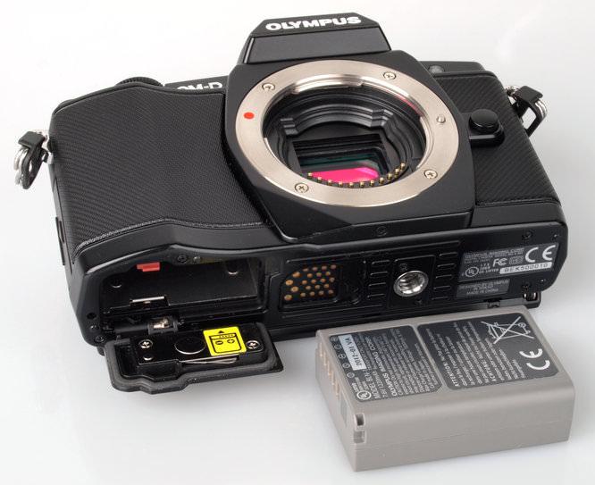 Olympus OM-D E-M5 Bottom Battery