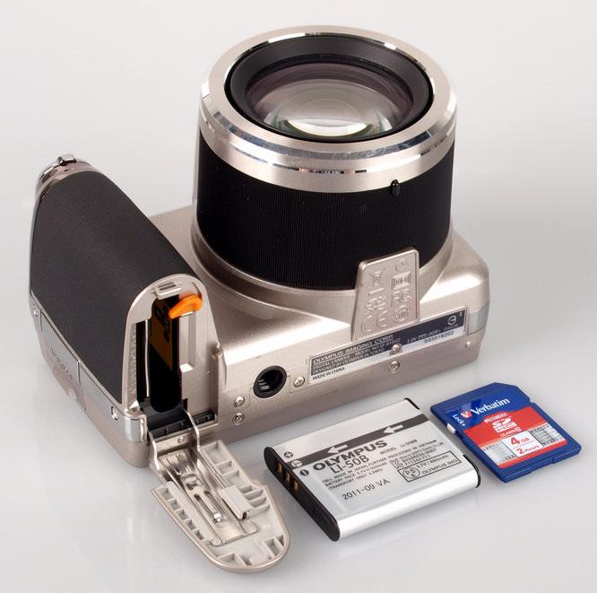 Olympus SP-810UZ Battery And Memory Card