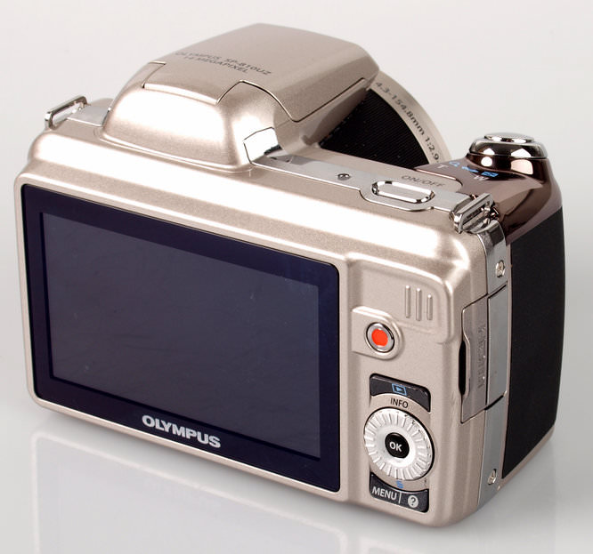 Olympus SP-810UZ Rear
