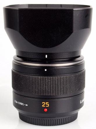 Leica DG Summilux 1:1.4/25 ASPH with Hood