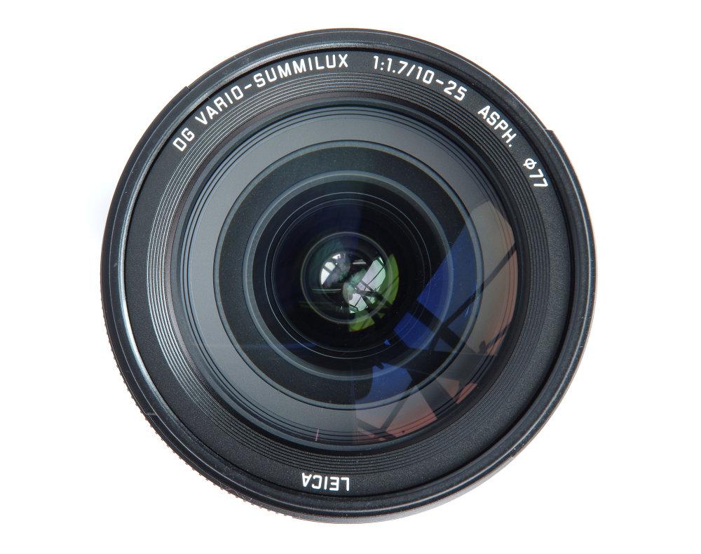 Leica DG 10 25mm F1,7 Front Element View
