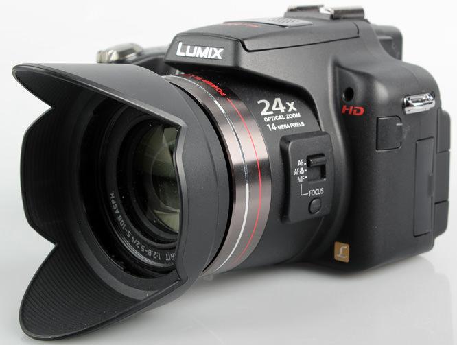 Panasonic Lumix DMC-FZ100 front lens