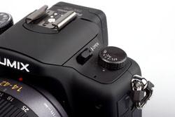 Panasonic Lumix DMC-G10 focus dial