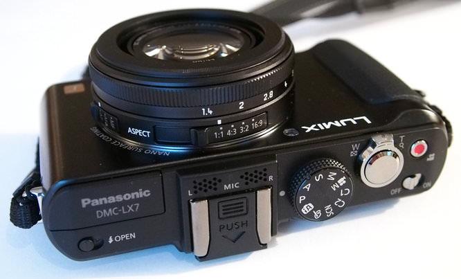 Panasonic Lumix Lx7 (6)   1/40 sec   f/4.1   20.0 mm   ISO 3200