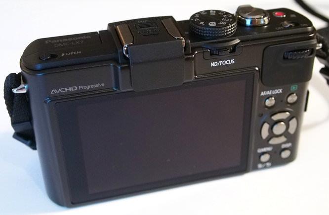 Panasonic Lumix Lx7 (9)   1/40 sec   f/4.1   20.0 mm   ISO 3200