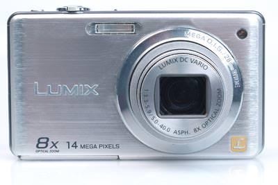 Panasonic Lumix DMC-FS30 front view