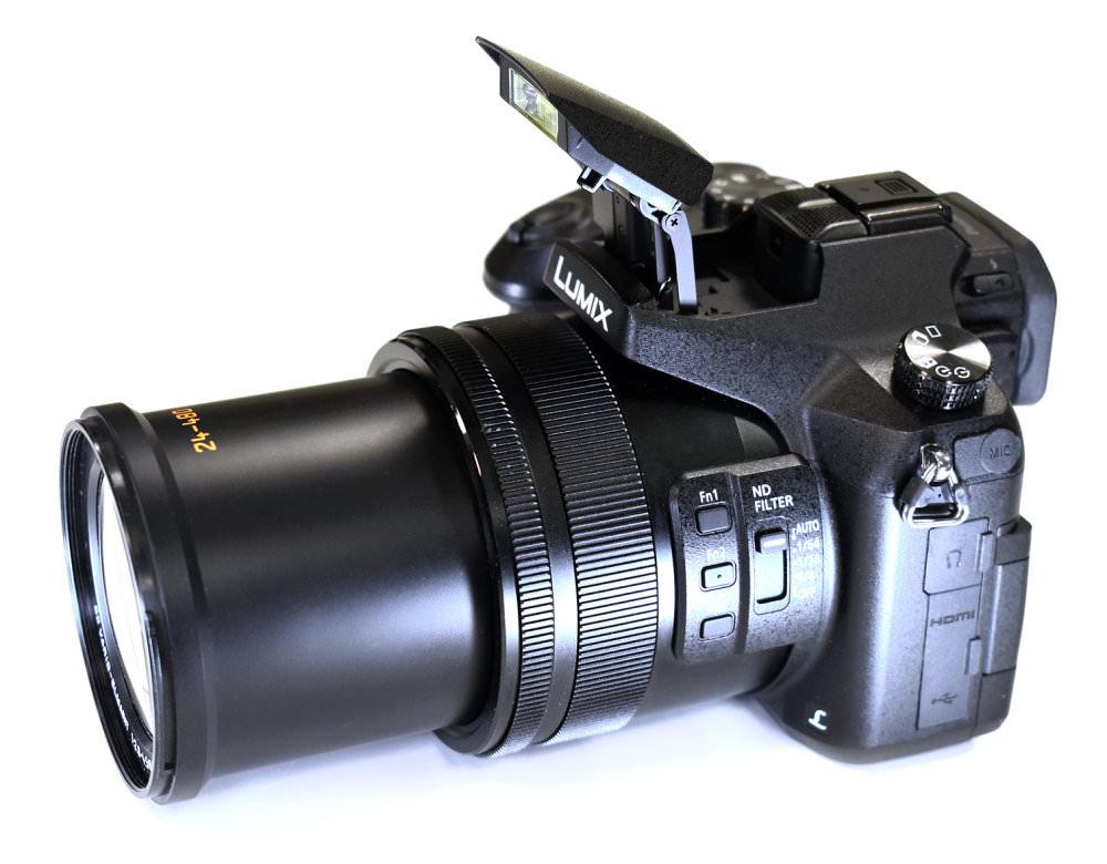 Panasonic Lumix FZ2000 FZ2500 Flash And Lens Open