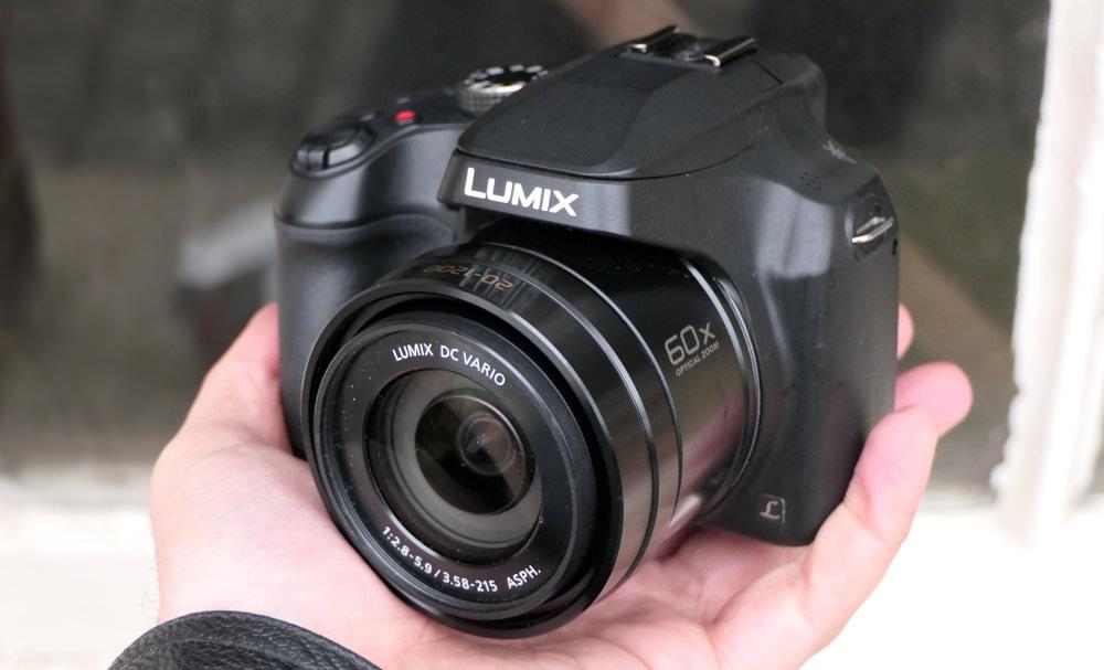 Panasonic Lumix FZ82 In Hand (3)
