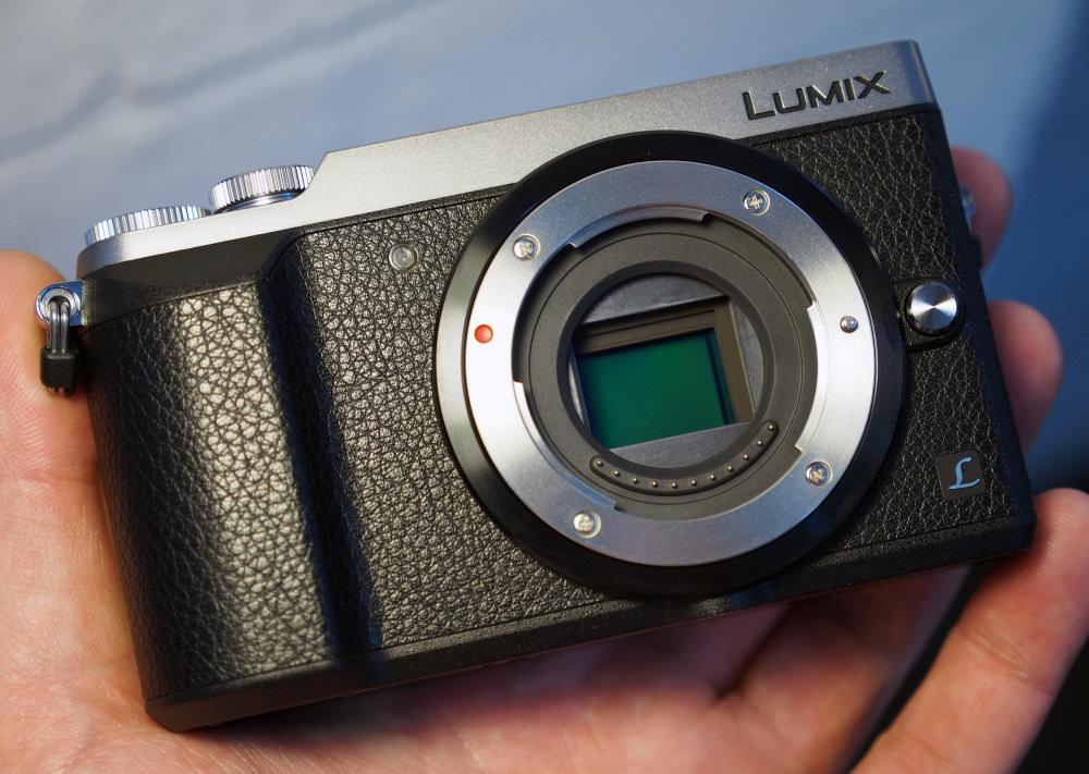 Panasonic Lumix GX80 Silver (2)