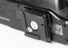 Peak Design Capture Clip - quick release plate on camera