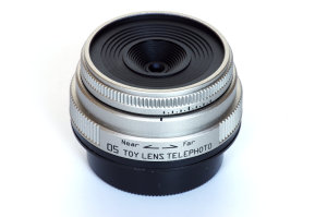 Pentax 05 Toy Lens Telephoto 18mm f/8 Review
