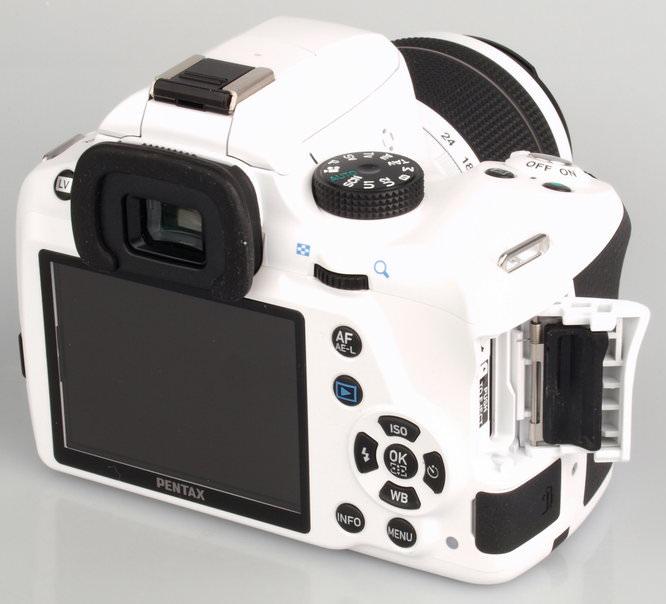 Pentax K-50 White Large (9)