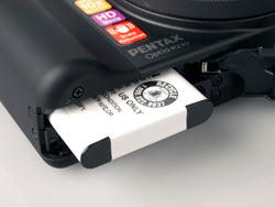 Pentax Optio RZ10 battery compartment
