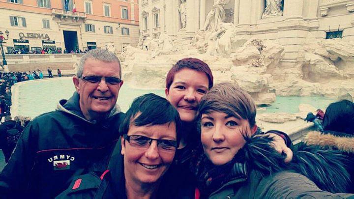 Trevi Fountain Selfie