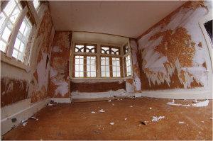 Photographer Documents Tiny House Revamp