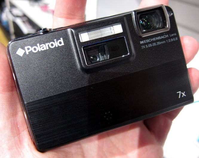 Polaroid Q70