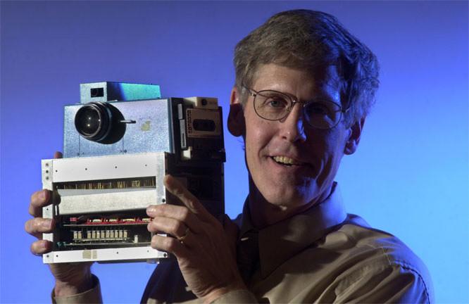 Steve Sasson with digital camera